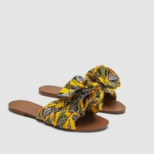 Zara flat sandals in contrasting colors size 7.5